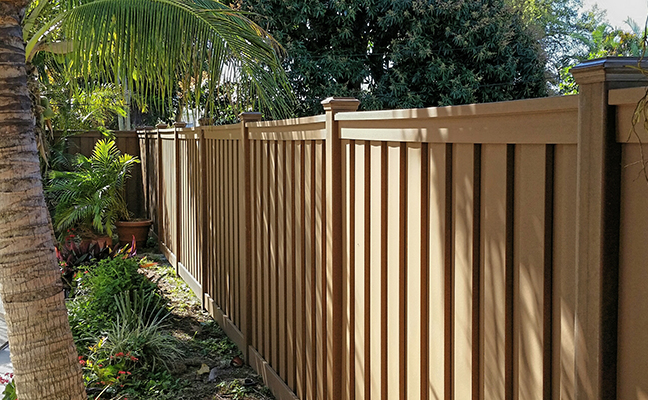 Why Choose Trex Fencing Over Wood Fence Florida State Fence