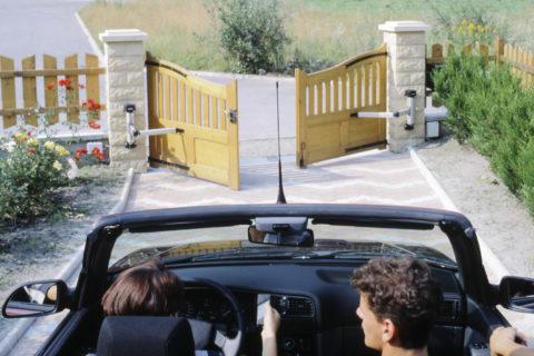 driveway gate ideas
